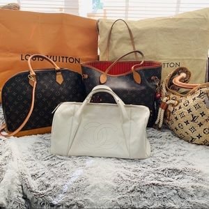 Luxury handbag lot